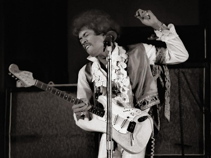 Los Angeles, California, USA --- Jimi Hendrix performing, at the Hollywood Bowl, 1968. --- Image by © William James Warren/Science Faction/Corbis