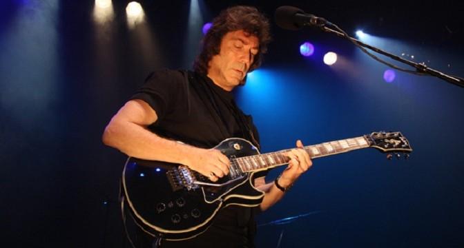 Steve Hackett – neúnavný gitarový veterán progresívneho rocku