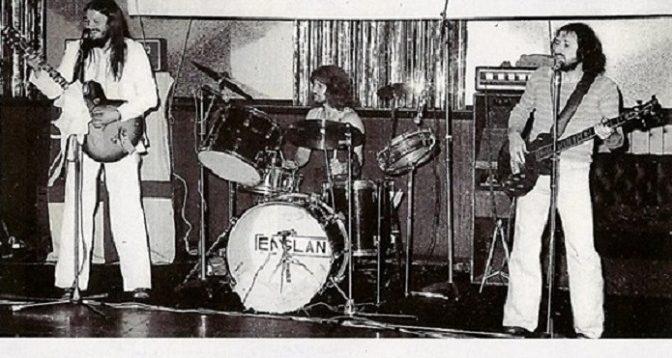 Anglicko hrá hard rock