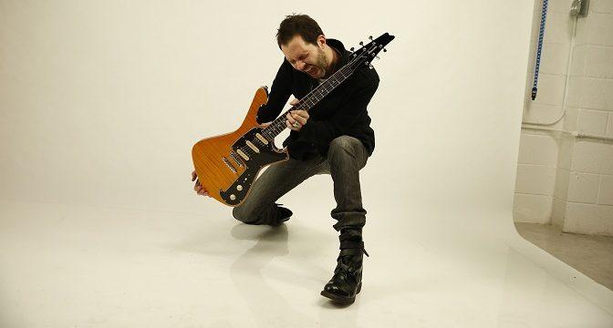 Paul Gilbert predstaví v Košiciach svoj najnovší album Behold Electric Guitar a zahrá aj hity kapely Mr. Big