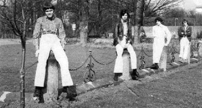 Tramline, Mick Moody hrá blues