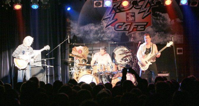 ASIA (2008/2009, Praha/Zlín)